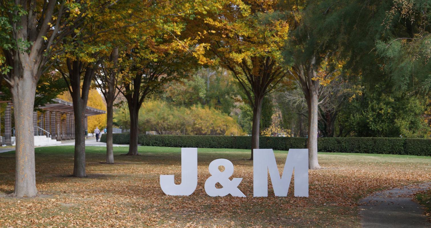 letras gigantes para bodas iniciales novios navarra