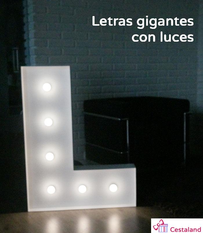 letras con luces oscuro