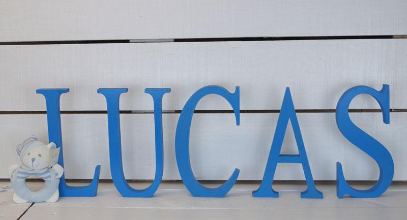 http://www.cestaland.com/letras-de-madera/112179-letras-de-madera-pintadas-comprar.html