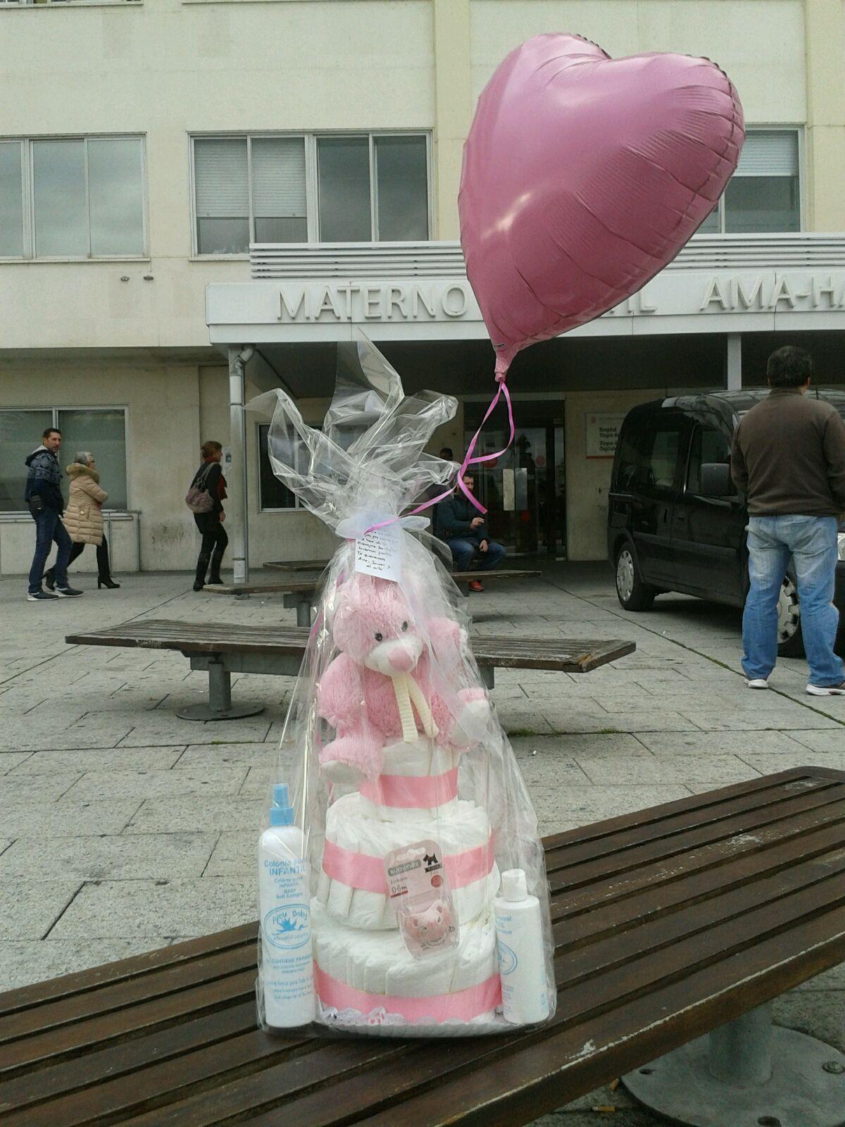 tarta pañales rosa hospital pamplona globo