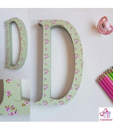Letras decoradas de madera. Decorar con letras de madera
