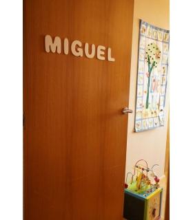 LETRAS PEQUEÑAS PINTADAS. Comprar letras para puertas de madera