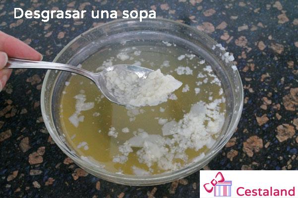 desgrasar-una-sopa
