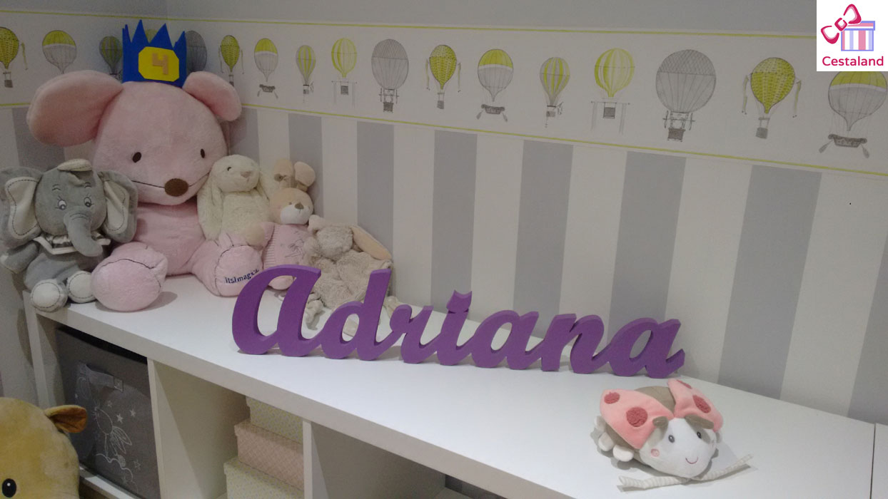 nombres en madera para bebés
