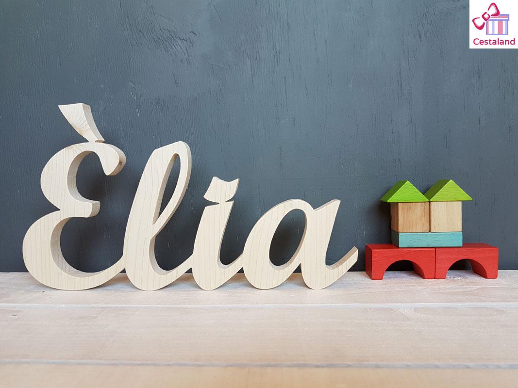 letras en madera natural
