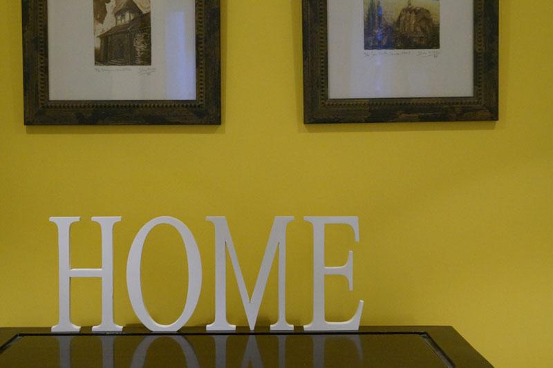 decorar con letras de madera lacadas blancas