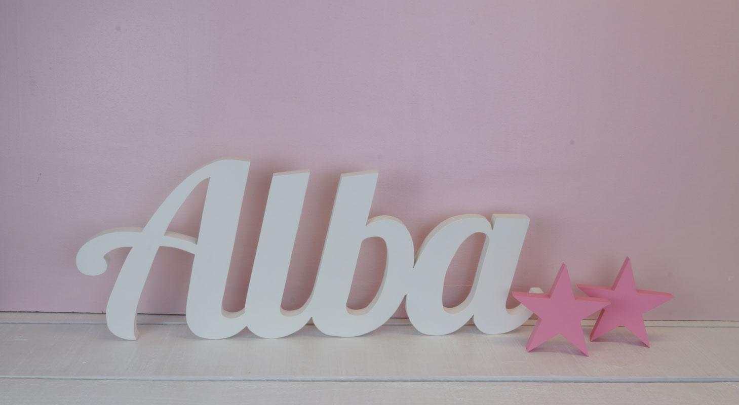 Alba en letras de madera