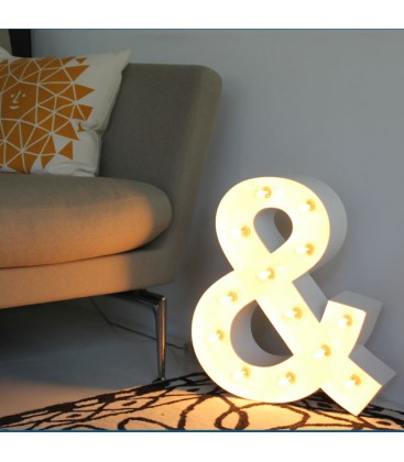 & luminoso. Letras con luces