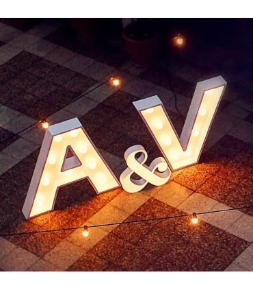 Letras con luces (2 Iniciales y &) para bodas