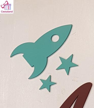 Estrellas y Cohete de madera. Nombres de madera decorados